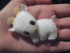 Another cute little stuffed animal that Natalie would love. Could make a whole farm! Felt Goat.