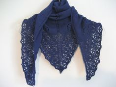 Blue woolen lace shawl, hand knitted, silver colored beads edging, lacy floral edge, blue scarf, exquisite shawl, triangle shawl by DutchDaisyDesign…