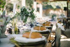 les moineaux de la mariée présenter le pain à table mariage décoration