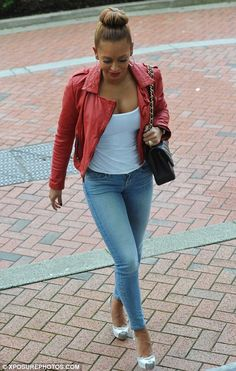 Mel B teeters precariously on ridiculously high stilt-like heels as she carefully totters into the X Factor auditions Dope Fashion, Fashion Killa, Womens Fashion, Casual Outfits, Cute Outfits, Fashion Outfits, Celebrity Style Inspiration, Spice Girls, Celebrity Outfits