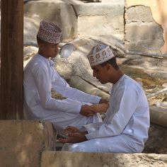 For men and women, for adults and children, traditional garb is both vibrant and comfortable. The world could learn a thing or two about fashion from Omanis. | 19 Reasons Oman Should Be The Next Country You Visit