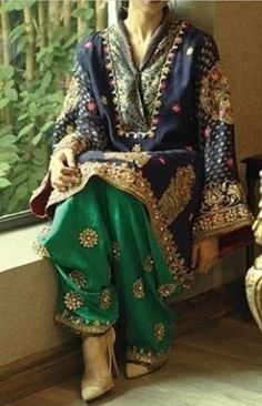 Price??? Pakistani Formal Dresses, Pakistani Wedding Outfits, Pakistani Dress Design, Indian Dresses, Indian Outfits, Indian Designer Suits, Pakistan Fashion, Desi Clothes, Indian Attire
