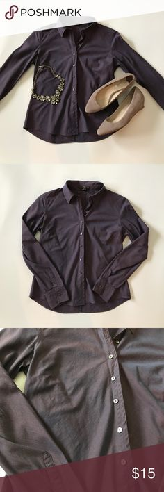 """Banana Republic plum button down Beautiful Banana Republic plum colored button down in like new condition. Measures 22"""" in length, no holes or stains. Make an offer or bundle and save! Banana Republic Tops Button Down Shirts"""