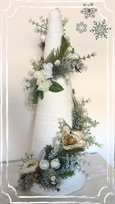 Luxury Christmas Decor, Pink Christmas Tree Decorations, Easy Christmas Ornaments, Unique Christmas Trees, Cone Christmas Trees, Christmas Arrangements, Christmas Centerpieces, Simple Christmas, Christmas Wreaths
