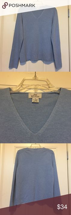 "Brooks Brothers Light Blue Merino Wool Sweater XL Beautiful Brooks Brothers 346 Light Blue V-Neck Long Sleeve Sweater.💠Material: 100% Fine Italian Merino Wool! Excellent condition. Stretchy & Soft! Great for Fall or Winter. 💠Measurements: Bust: 21"" flat/42"" full, Length: 24"", Sleeves: 24.5"".💃Offers Welcome & Bundling Discounts Available!💃 Brooks Brothers Sweaters V-Necks"