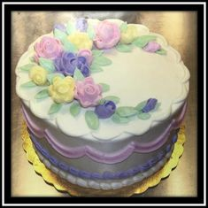 White Buttercream, Buttercream Filling, Frosting, Marble Cake, Flower Spray, Holiday Cakes, Round Cakes, Classic Collection, Birthday Cake