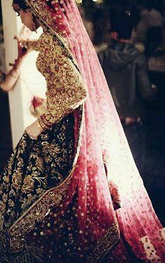 Latest Indian wedding Lehenga Style Ideas for brides! Indian Wedding Lehenga, Pakistani Bridal Dresses, Indian Dresses, Indian Outfits, Bridal Dress Indian, Indian Wedding Dresses, Royal Indian Wedding, Wedding Sarees, Punjabi Wedding