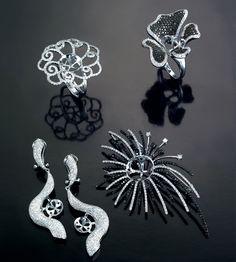 Shung Hing Jewellery Co  Booth: 1CD24 Country: HK #jewelry #jewellery #finejewelry #jewelryart #jewelryshow #diamond #gemstones #hkjewelry #jewelryhk #jewelryoftheday #fashion #trend #vibes #goodvibes #wearable #stylish #inspiration #art #artistic #crafts #craftsmanship #design #jewelrydesign