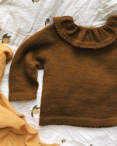Dagmars Bluse – PetiteKnit Knitting For Kids, Knitting For Beginners, Baby Knitting, Knitting Designs, Knitting Patterns, Crochet Jumper, Circular Needles, Work Tops, Stockinette