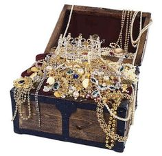 We're Going on a Treasure Hunt! Pirate Treasure Chest, Treasure Boxes, Pirate Skull, Treasure Island, Pirate Party, Silver Diamonds, Gold Jewelry, Decorative Boxes, Jewels