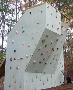 Fancy Backyard Climbing Wall 40 on Inspiration Interior Home Design Ideas with Backyard Climbing Wall Boulder Climbing, Rock Climbing, Indoor Climbing, Bloc Escalade, Backyard Projects, Diy Projects, Climbing Wall Kids, Bouldering Wall, Backyard Trees
