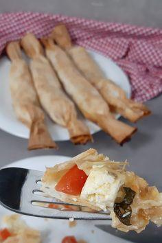 Melone-Feta Yufka Stangen als Fingerfood Feta, Desert Recipes, Finger Foods, Waffles, Pizza, Breakfast, Food Deserts, Bbq, Plants