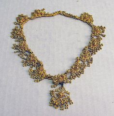 India | Gold necklace | ca. 19th century.