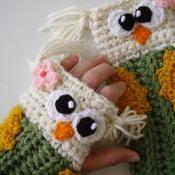 Owl Fingerless Gloves - via @Craftsy $4.99
