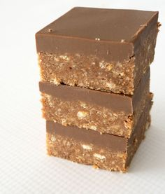 New and Improved No Bake Chocolate Caramello Slice - Create Bake Make Cadbury Milk Chocolate, Chocolate Slice, Melting Chocolate, Chocolate Treats, Easy Caramel Slice, Salted Caramel Slice, Caramello Slice, No Bake Slices, Baking Tins
