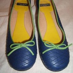 Kate Spade 8 rare blue green bow shoes kitten heel Kate Spade. Size 8. Gorgeous blue with green bow. Leather. Made in Italy. Pre owned great condition. kate spade Shoes