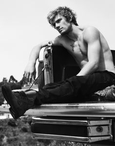 Alex Pettyfer - whoever marries this man is the luckiest women alive. Hands down.