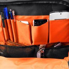 에버키의 또다른 특징으로 모든 안감은 고대비 오렌지 색상을 사용 제작되었습니다. 어떤 상황에서도 물품을 가장 쉽게 찾을 수 있는 색상으로 안감 하나에도 신경을 많이 쓴 디자인임을 알 수 있습니다.