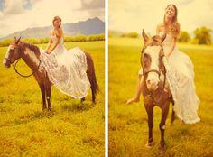 Stunning Dress, Hawaii, and a Pretty Pinto | Hawaii | Clane Gessel Photography #hawaii #lace #weddingdress #weddingswithhorses