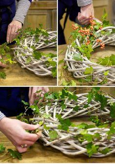 Beautiful-DIY-Christmas-Wreaths_20.jpg - See more beautiful DIY Chrsitmas Wreath ideas at DIYChristmasDecorations.net!