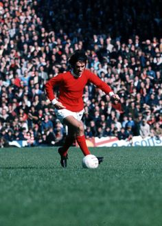 Doing what he did best: @manutd legend George Best scoots down the wing against Coventry City during a match at Old Trafford in 1971.