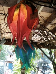 Red and Yellow Lily Luminaire Lamp By Renae por renaeleataylor