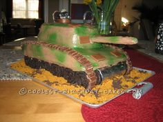 Take a look at the coolest Army Tank birthday cake picture gallery. You'll also find loads of homemade cake ideas and DIY birthday cake inspiration. Army Birthday Cakes, Diy Birthday Cake, 5th Birthday Party Ideas, Birthday Cake Pictures, Homemade Birthday Cakes, Homemade Cakes, Boy Birthday, Birthday Parties, Army Tank Cake