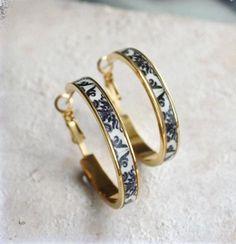 Cute Jewelry, Jewelry Box, Jewelry Accessories, Jewelry Armoire, Neon Jewelry, Jewelry Necklaces, Jewelry Holder, Dainty Jewelry, Leather Jewelry