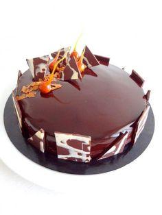 Royal au chocolat et son glaçage miroir au cacao (CAP pâtisserie)