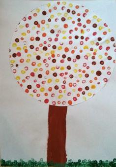 Rosa-rote Welt: [Basteln mit Kinder] Tupf-Herbstbaum