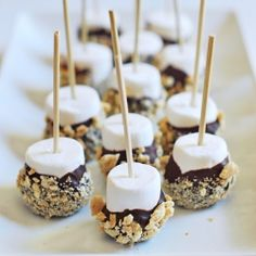 Whether for a birthday party or a pool party, s'mores on a stick is easy to prepare and a real crowd pleaser! Whether for a birthday party or a pool party, s'mores on a stick is easy to prepare and a real crowd pleaser! Cooking For A Crowd, Desserts For A Crowd, Cooking On A Budget, Food For A Crowd, Mini Desserts, Summer Desserts, Dessert Recipes, Healthy Desserts, Block Party Desserts