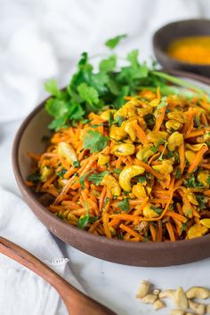 Bombay Carrot Salad with cashews and raisins, tossed in a fragrant Indian Curry dressing. Healthy and vegan this carrot salad recipe is so EASY to make, and can be made-ahead. salad recipe Bombay Carrot Salad with Cashews and Raisins Carrot Salad Recipes, Easy Salads, Healthy Salad Recipes, Easy Meals, Indian Carrot Salad Recipe, Indian Carrot Recipes, Vegan Carrot Recipe, Indian Food Recipes Easy, Vegan Indian Food