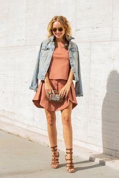 Mauve with denim - a great spring look Spring Look, Spring Summer Fashion, Autumn Fashion, Spring 2014, Look Fashion, Fashion Outfits, Womens Fashion, Fashion Trends, Kelly Fashion