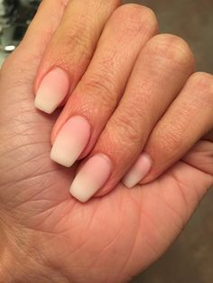 ombré french top gel nails ey in 2019 Glitter Acrylics, Glitter Gel Nails, Nude Nails, Matte Nails, Shellac French Manicure, Gel Manicure, French Nails, Pedicure, Gel Nail Colors