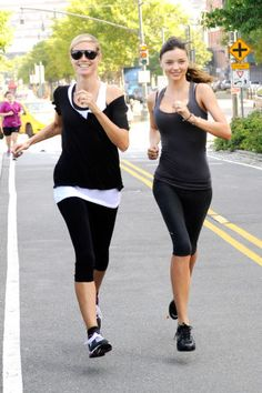 Miranda Kerr: AOL Summer Run with Heidi Klum!: Photo Miranda Kerr participates in the AOL Summer Run with fellow supermodel Heidi Klum on Saturday (July in New York City. Miranda Kerr, Heidi Klum, Best Cardio Workout, Workout Wear, Workout Outfits, Running Outfits, Gym Outfits, Fitness Outfits, Celebrity Workout Clothes