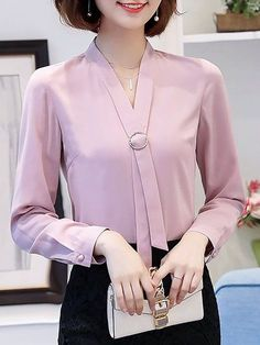 business mode damen V-neck Shift Long Sleeve Plain Blouse Funky Fashion, Fashion Looks, Womens Fashion, Indian Blouse Designs, Bluse Outfit, Discount Designer Clothes, Work Blouse, Blouse Styles, Ladies Dress Design