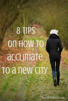 Move on the horizon? Concerned with how you might adjust or get settled? Here are 8 tips to help you acclimate to life in a new place. Moving Across Country Tips, Moving Cross Country, Moving House Tips, Moving Tips, Moving Hacks, Moving To Another State, Moving To The Uk, Planning A Move, City Quotes