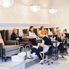 Ideas For Pedicure Salon Logo Nail Salon Design, Nail Salon Decor, Beauty Salon Decor, Salon Interior Design, Interior Decorating, Wedding Pedicure, Manicure Y Pedicure, Pedicure Chair, French Pedicure Designs