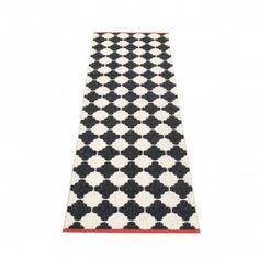 Pappelina Outdoor-Teppich Marre schwarz/vanille 70x150cm | design3000.de