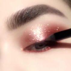 bts memes to respond with Cute Makeup Looks, Makeup Eye Looks, Eye Makeup Art, Skin Makeup, Eyeshadow Makeup, Makeup Tips, Fairy Makeup, Mermaid Makeup, Crazy Makeup