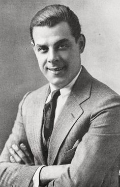 Oscar Shaw (born Oscar Schwartz, was a stage and screen actor and singer in silent and talkie eras.  (The Cocoanuts, Flying High)