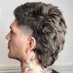 New Men Hairstyles, Feathered Hairstyles, Winter Hairstyles, Haircuts For Men, Mullet Fade, Mens Mullet, Mullet Haircut, Mullet Hairstyle, Modern Mullet