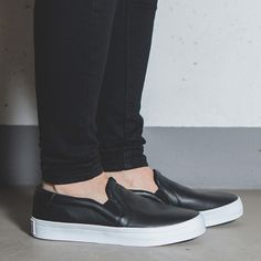 eng_pm_WOMENS-SHOES-SNEAKERS-Adidas-Originals-CourtVantage-Slip-On-