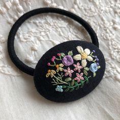 シックに彩るお花 刺繍ヘアゴム4.5 ブローチへ変更可能☆