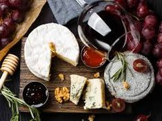 History of French cuisine. From regional French cuisine to refined gastronomy French Cuisine has continued to change through the ages Cheese Lover, Bread Board, Wine Cheese, Sauvignon Blanc, Cata, Pinot Noir, Wine Festival, Fine Wine, Food 52