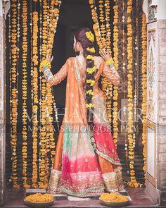 New Awesome Bridal Photoshoot of Zarnish Khan Pakistani Mehndi Dress, Asian Wedding Dress Pakistani, Beautiful Pakistani Dresses, Bridal Mehndi Dresses, Pakistani Formal Dresses, Bridal Dress Design, Pakistani Wedding Dresses, Bridal Outfits, South Indian Wedding Hairstyles