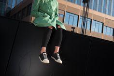 Waldviertler Wing 2 Rückenwind in jaques schwarz - Fair produzierte Sneakers Sweatshirts, Sweaters, Fashion, Woodland Forest, Black, Moda, Fashion Styles, Trainers, Sweater