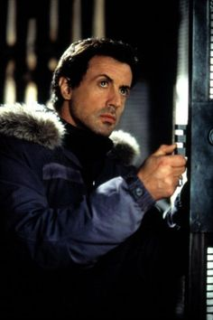 Sylvester Stallone in D-Tox directed by by Jim Gillespie, 2002