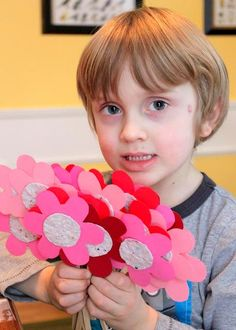 how to make some recycled seed paper valentine flowers to share and plant with the ones that you love.....it's a lil more detailed than I would do but still a Great idea