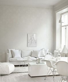 Here is the amazing and creative white living room design ideas. If you're planning to turn your living room to white. these amazing ideas will help you Fancy Living Rooms, Living Room Decor On A Budget, Living Room White, Paint Colors For Living Room, White Rooms, Living Room Sofa, Living Room Furniture, Living Room Designs, Scandinavian Living